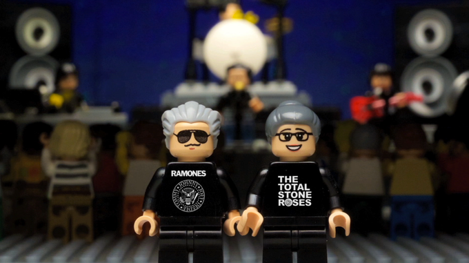 Custom Lego's of Dennis and Lois used in the film!