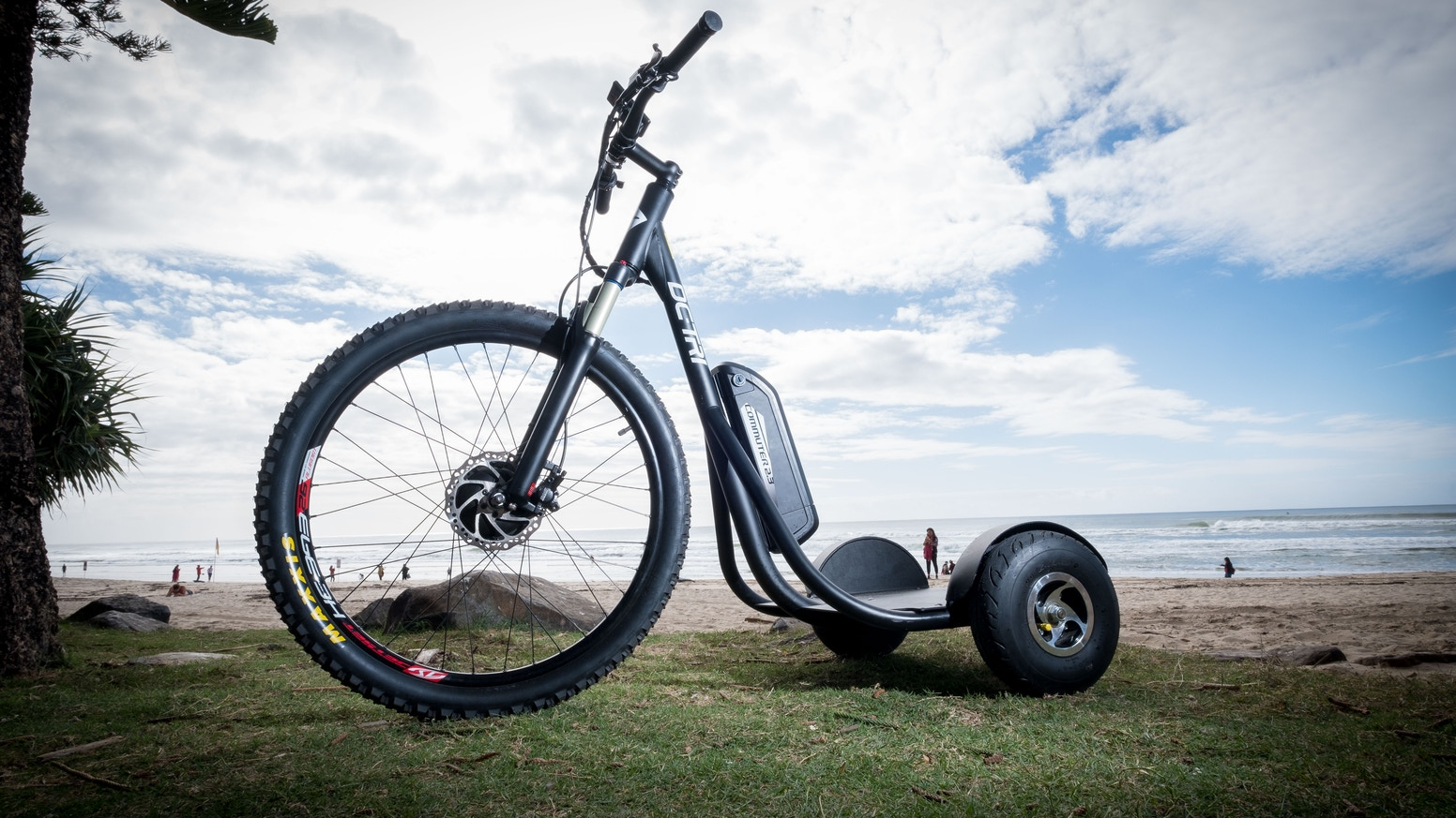 Shred with this uniquely designed, high-quality, eco-friendly electric stand-up e-bike that hits up to 15mph!