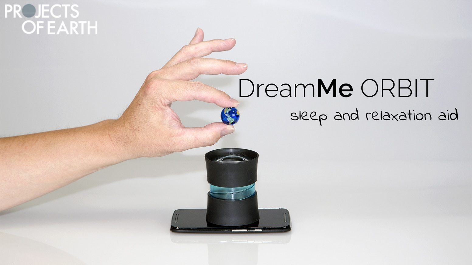 Projects of Earth: DreamMe ORBIT is the first sleep and relaxation aid, using your mobil phone as a projector - pocket planetarium.