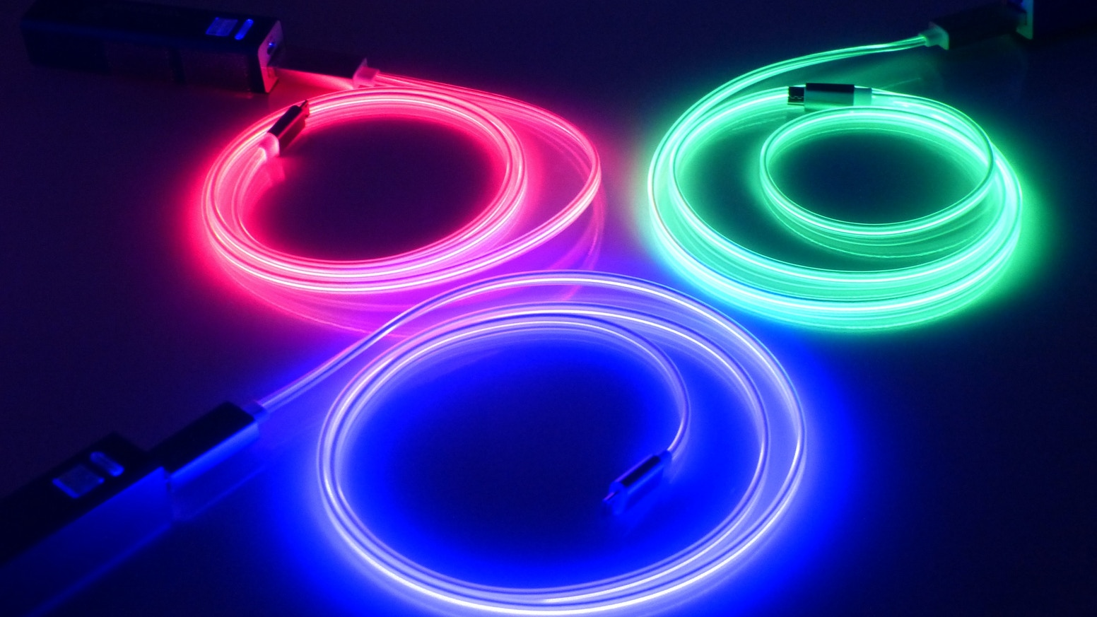Charge all your Apple, Android, and Windows Smart Devices with our USB charging cable that pulsates and glows with laser light.