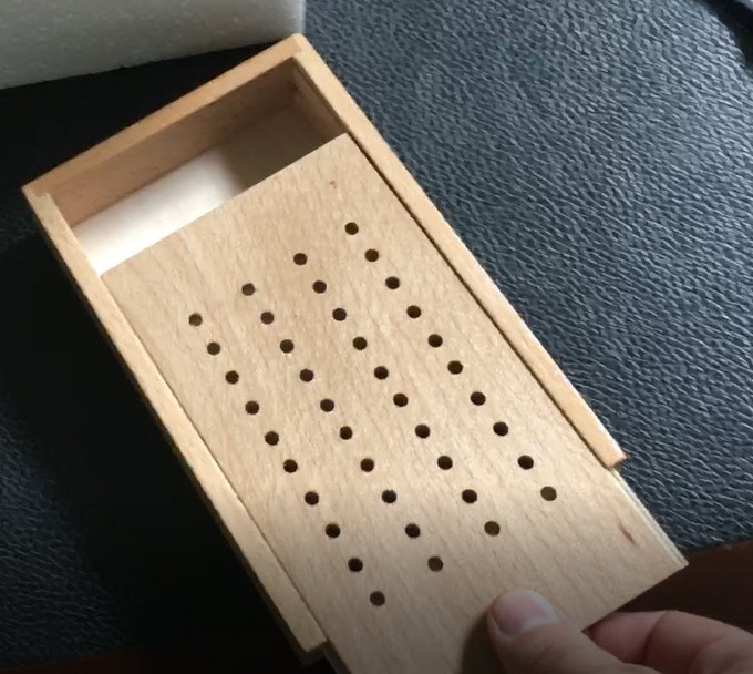 Our never before offered HINGLESS scoring box!