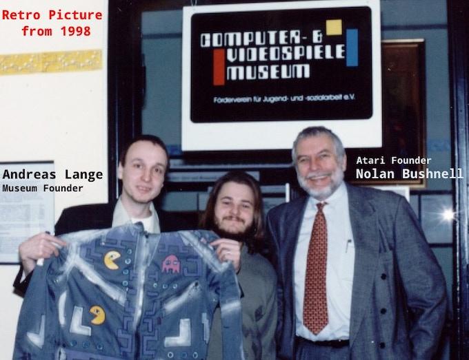 1998, Nolan Bushnell visits the Museum