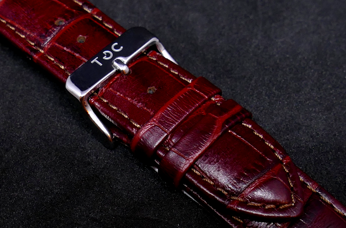 Strap: Red Brown Crocodile Style Leather