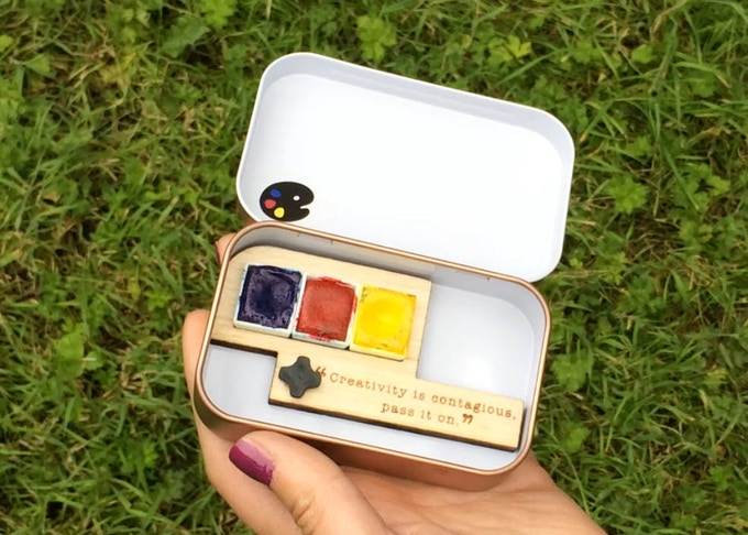 Primary Watercolours in Sketching Tin