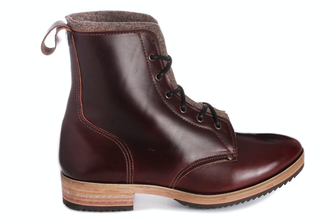 Calver Tor Boot in cowberry red, Horween Chromexcel leather with 100% wool upholstery felt lining in Tawny