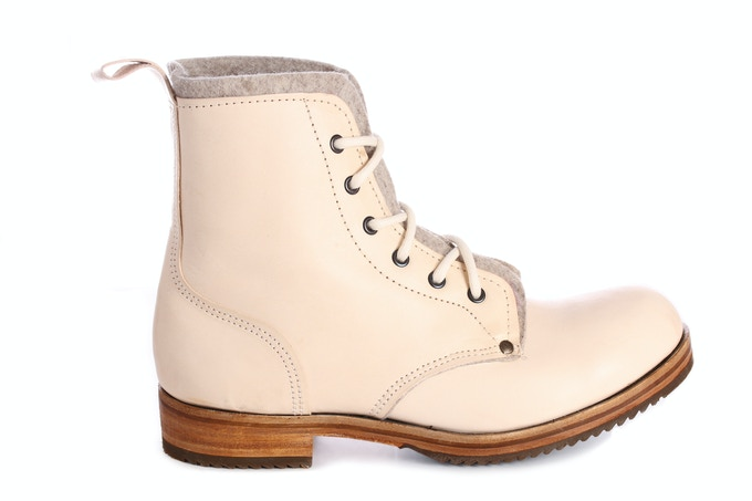 Foxlow Tor Boot in bone Tempesti veg-tanned calf leather with 100% wool upholstery felt lining in Alabaster