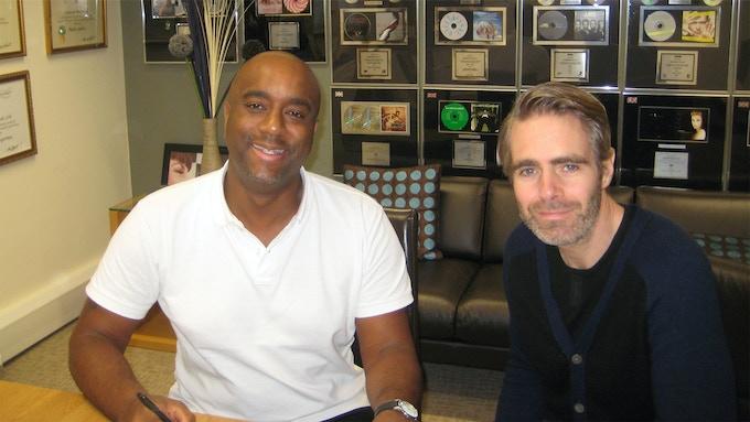 Kevin Reynolds (left)