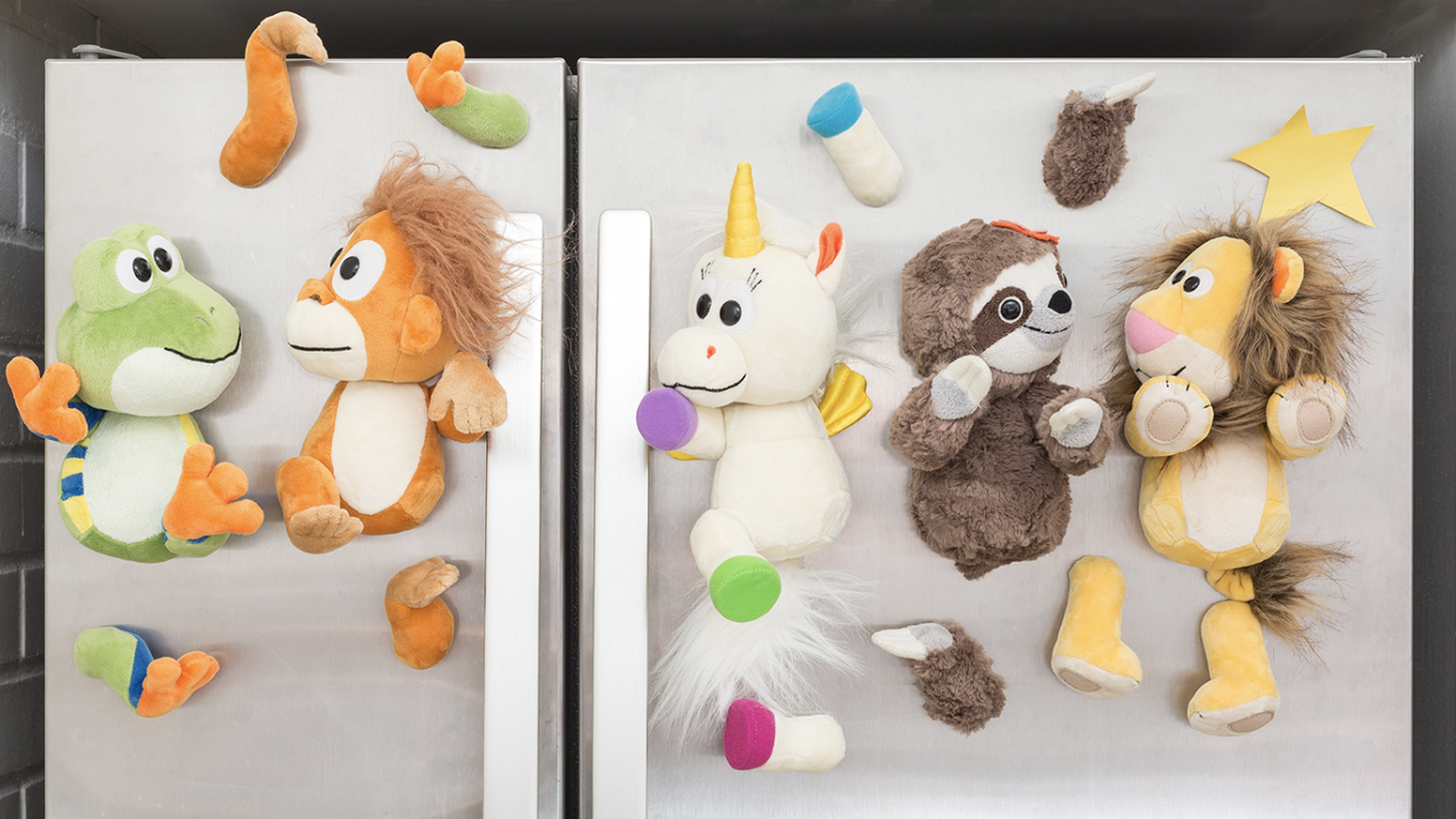 A wildly fun system of magnetic stuffed animals for kids. Mix & make endless combinations with fully interchangeable & rotating parts!