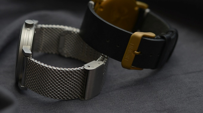 Straps viewed from the watches back