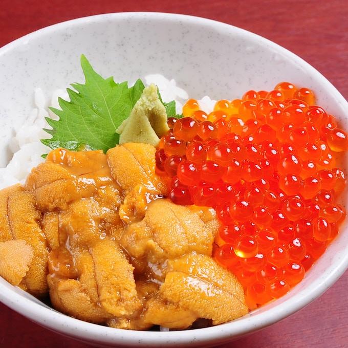 Uni Ikura Donburi (Sea Urchin & Salmon Roe Rice Bowl) , Sapporo JAPAN