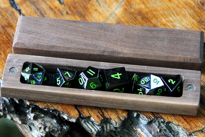 Walnut Hero Sleeve with Onyx Green Dice