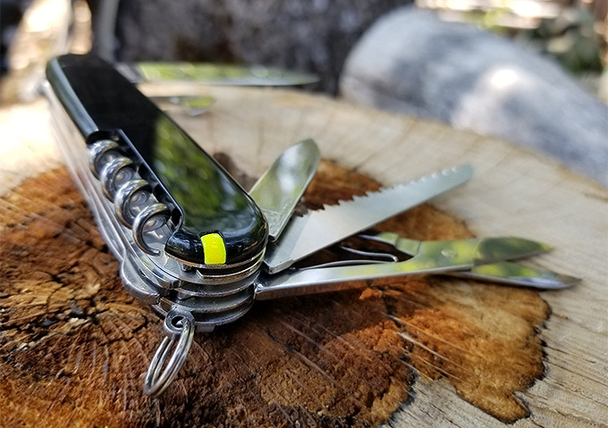 Firefly|スイスアーミーナイフに収納可能なファイヤースターター「ファイヤーフライ」 ガジェットの購入なら
