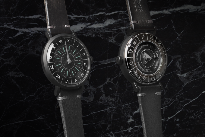 Transparent back lid reveals automatic Japanese movement with 21 jewels