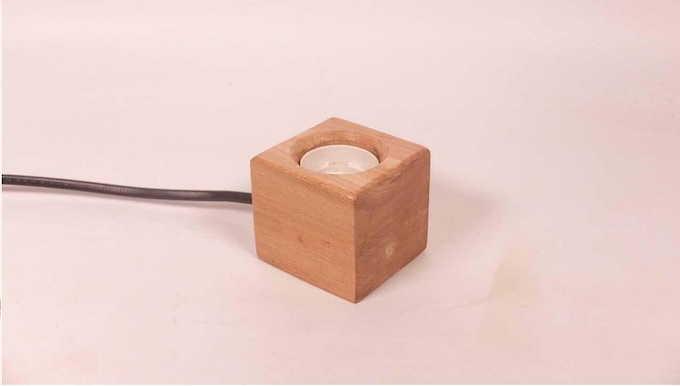Light base with screw socket, perfect for 150g version light bulb.