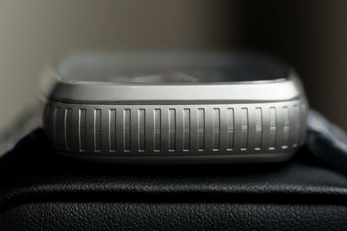 One of the uniqe design features on the watch is the cutouts on the case side giving it a raw metal feel