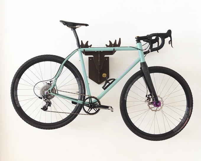 Cyclocross/Road bike with sloping top tube