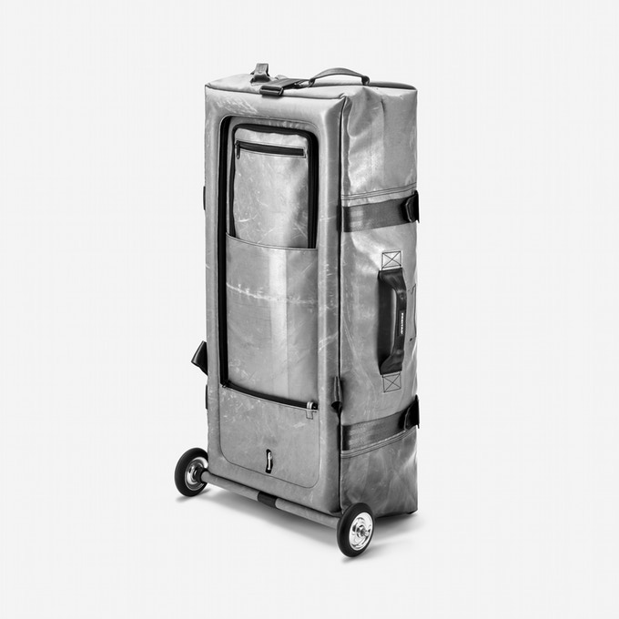 SILVERLINER | €420 (all gone): If you are into the look of aluminum suitcases but looking for a solution that consumes only little storage space, then that's your reward!