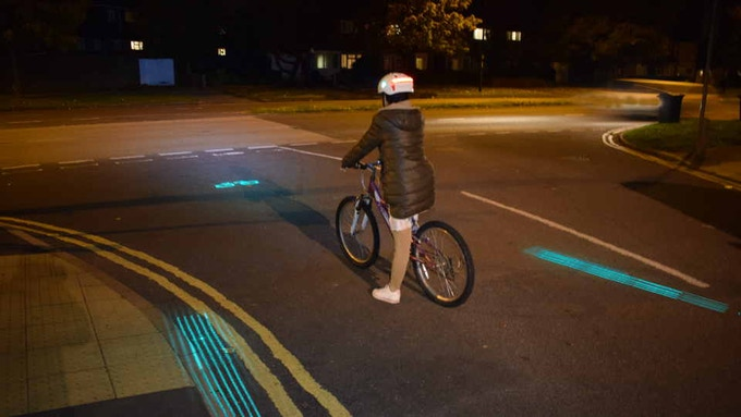 Side lasers highlight cyclist's lane of rights