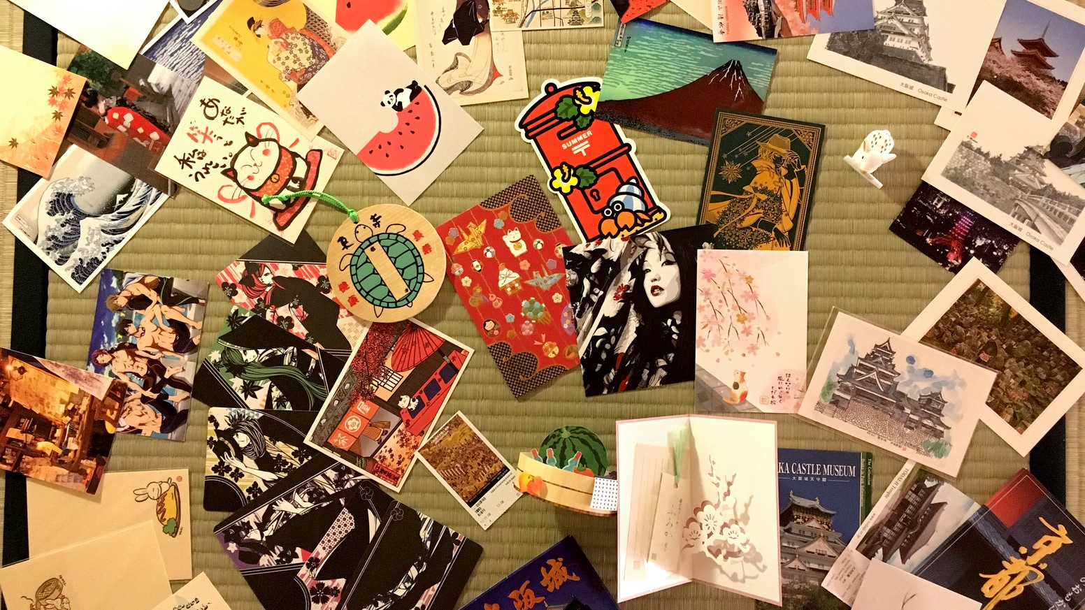 You love finding postcards in your mailbox? Perfect! I love writing them.