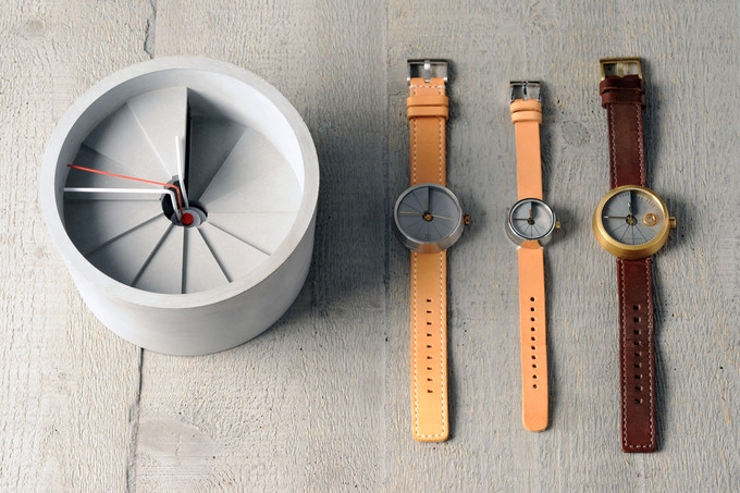 305778eff △The expanding 4th Dimension family, including Wall clock, 42mm quartz  watch, 30mm quartz watch and 4D Concrete Watch Automatic.