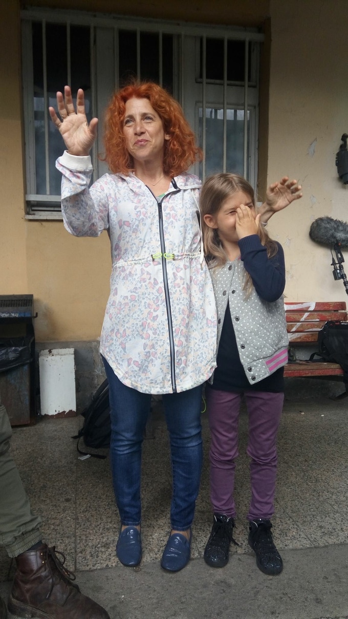 producer Maya Kvetny with her daughter Isabel on set