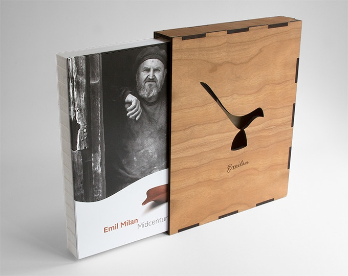 Limited edition with wood slip case.