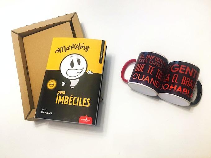 Prototipos: libro, caja de lujo y tazas