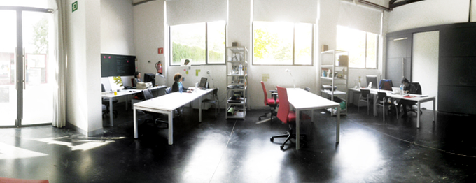 See the place where the magic happens, have a cup of coffee in our studio in Mediaestruch