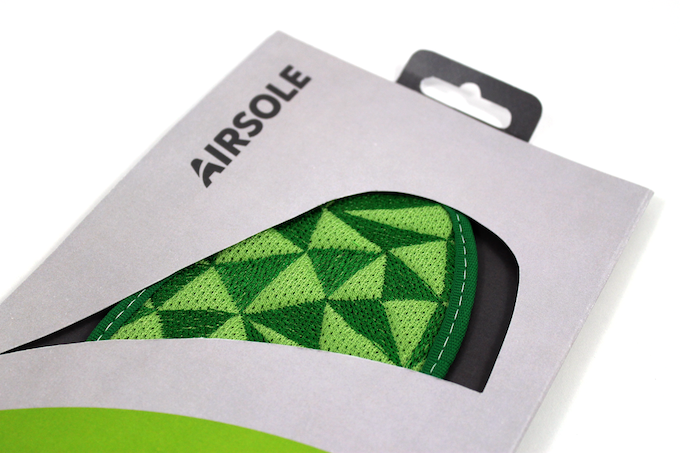 We designed a sustainable cardboard packaging for AirSole.
