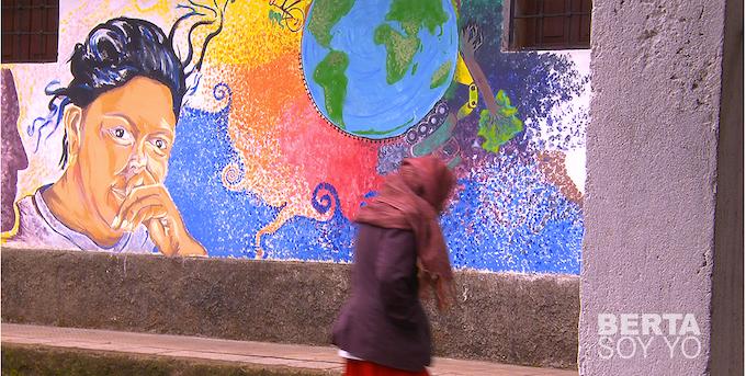 UTOPÍA, un proyecto de Berta Cáceres, que ahora está lleno de grafitos y murales para recordarla. | UTOPIA, a project by Berta Cáceres, which is now full of graffiti and murals to remember her.