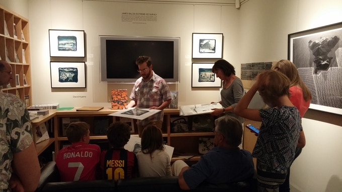 David Hyams working with all-age students at Verve Gallery, Santa Fe, New Mexico