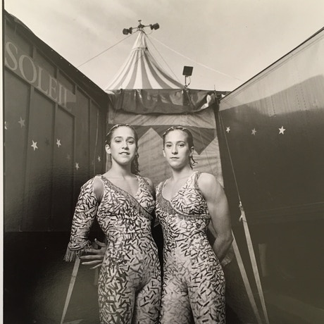 Mirror twins cirque du soleil vets true twin story for Mirror twins
