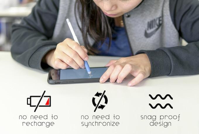 Product design student Kelly Lo testing the cobalt ingo stylus ( IG: kellyloooo )