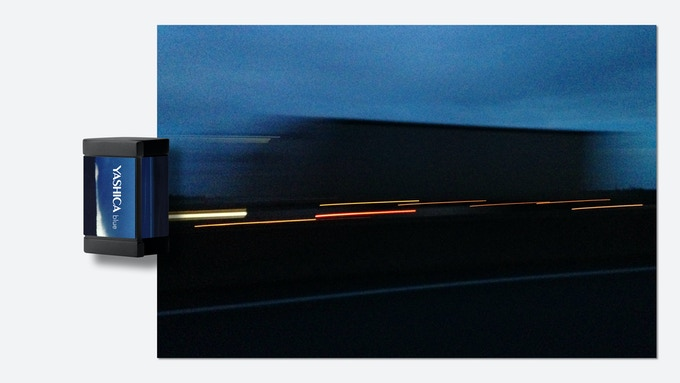 ** Photo is for reference only and intends to illustrate the style and mood to be delivered by YASHICA blue digiFilm