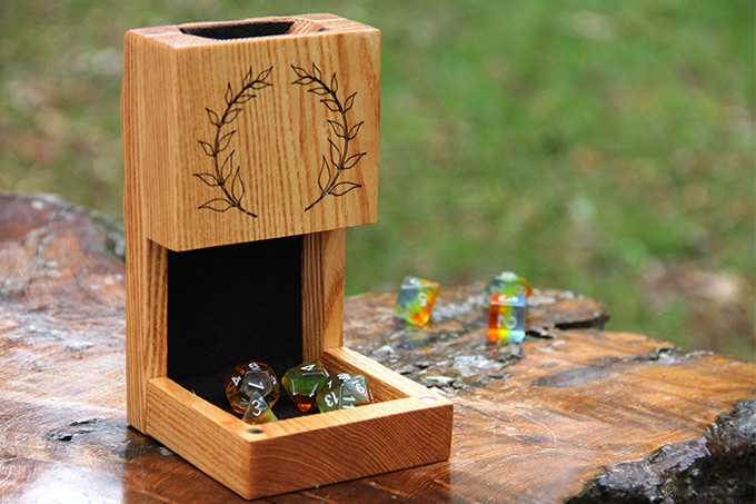 Kentucky Coffeetree Dice Tower with Laurels Engraving and Black Felt.