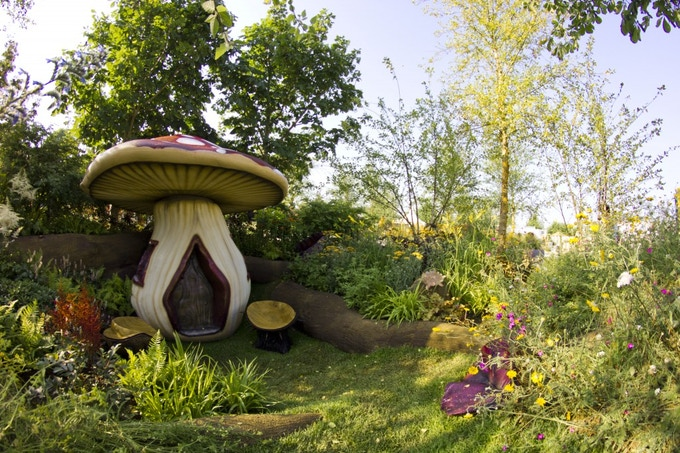 Victoria's Stothard's bespoke garden at the RHS Hampton Court Palace Flower Show