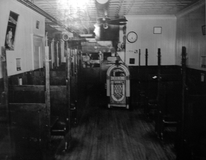 The interior of Sally's Apizza the year it opened, 1938.