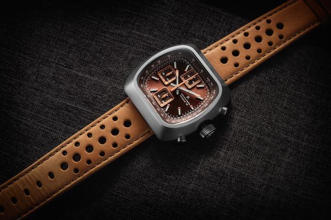 Matte case Quartz Version D brown/rust