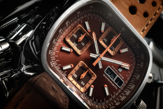 Polished case Automatic Version D brown/rust