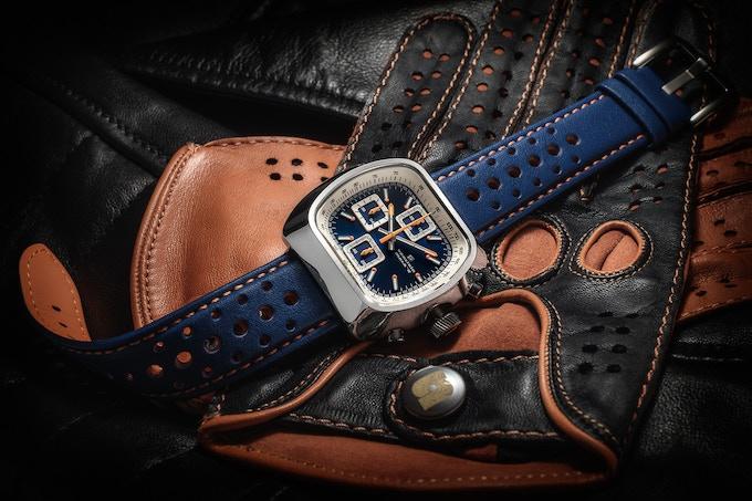 Polished case Quartz Version A blue