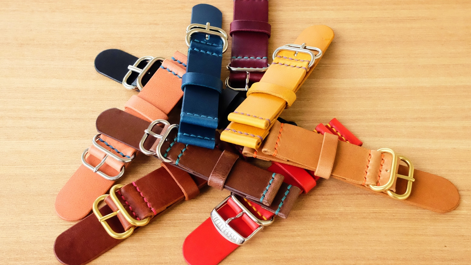 Unleash your inner creativity and design your own leather straps! Made from premium materials, this is one for you to keep a long time.