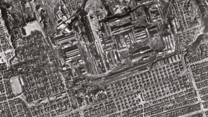 "Actual Luftwaffe recon photos were ""assembled""..."