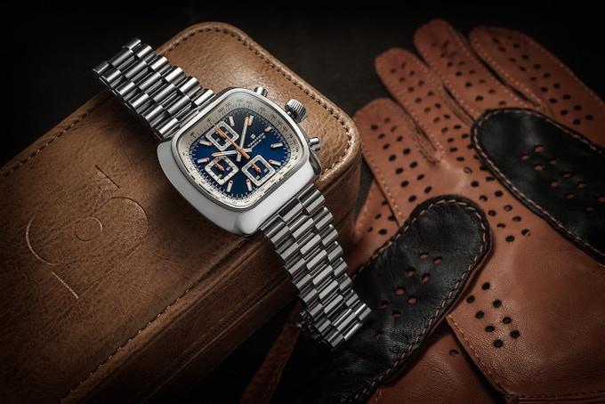 Polished case Quartz Version A blue with optional bracelet