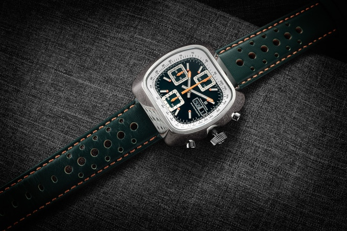 Polished case Automatic Version C green