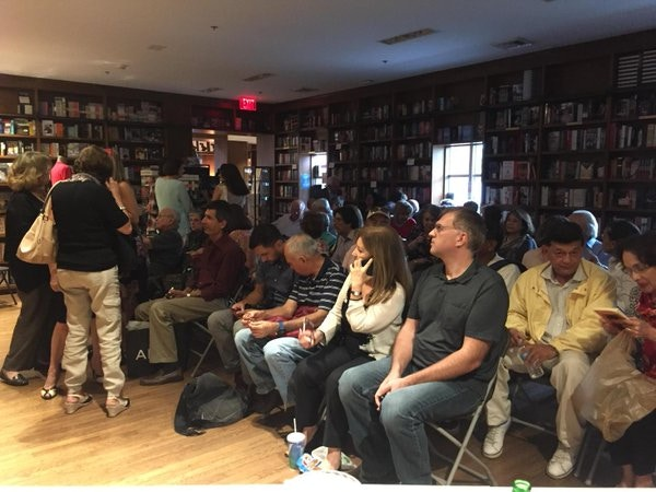 CuentoManía is the Literary Talent Show that brings together the Spanish speaking community in Miami