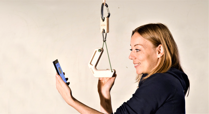 The progressor can measure the force applied to a free hanging training grip.
