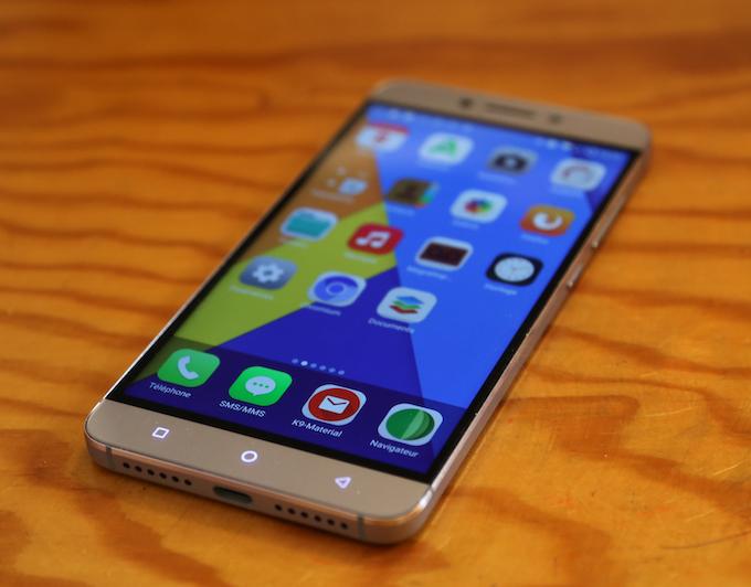 First eelo prototype smartphone OS