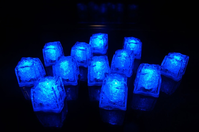 REVO Blue Light Cubes
