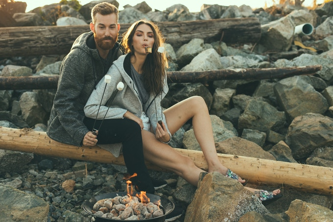 Women's Tofino and Men's Tacoma Comfy