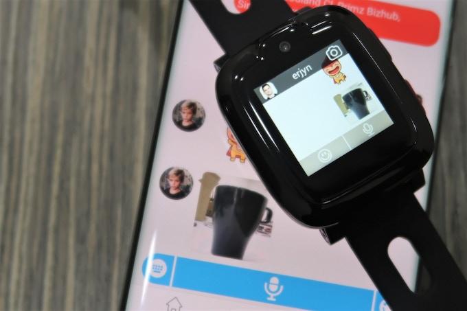 Send photos, emoticons, text messages and voice memos